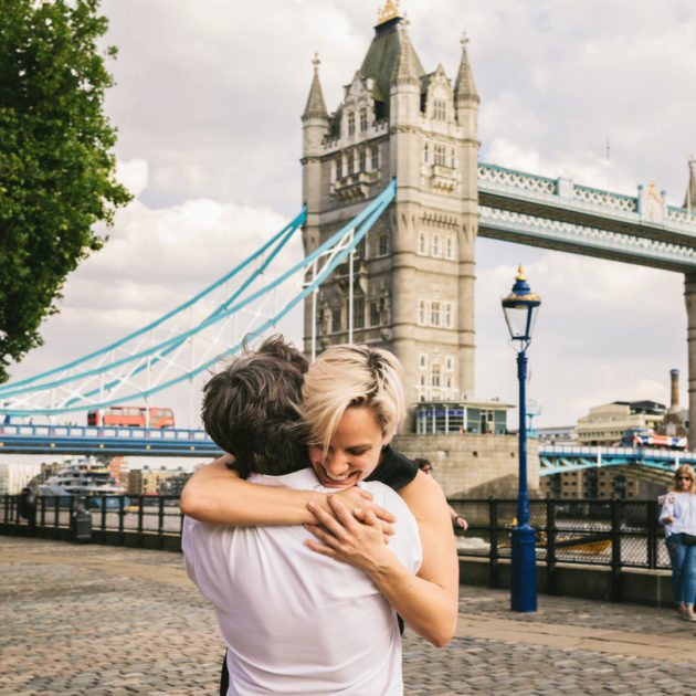 London Tower Bridge couple session love story destination wedding